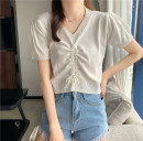 T-shirt Thin black, versatile white, temperament yellow, deep blue, light purple Average size Spring 2021 Short sleeve V-neck Self cultivation have cash less than that is registered in the accounts commute other 30% and below 18-24 years old Korean version Other / other 0331L