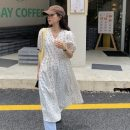 Dress Summer 2021 White, green Average size Mid length dress other Short sleeve commute V-neck Broken flowers Others 18-24 years old Other / other Korean version 0417L 30% and below other