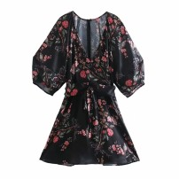 Dress Spring 2021 As shown in the figure S,M,L Short skirt street V-neck High waist 18-24 years old 81% (inclusive) - 90% (inclusive) Europe and America