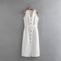 Dress Summer of 2019 As shown in the figure S,M,L Mid length dress street V-neck 18-24 years old 81% (inclusive) - 90% (inclusive) Europe and America