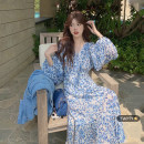 Dress Summer 2021 Blue and white flowers Average size longuette singleton  Long sleeves commute V-neck High waist Broken flowers Socket A-line skirt bishop sleeve Others 18-24 years old Type A Korean version