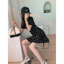 Dress Summer 2021 Black 5 days grey 5 days White 5 days M L Middle-skirt singleton  Short sleeve commute Crew neck High waist letter Socket A-line skirt routine 25-29 years old Type A Qimi Splicing QM2104109 31% (inclusive) - 50% (inclusive) polyester fiber Pure e-commerce (online only)