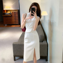 Dress Summer 2021 white S,M,L Middle-skirt singleton  Sleeveless commute V-neck High waist Solid color Socket One pace skirt Others 18-24 years old Korean version Stitching, lace c2.22