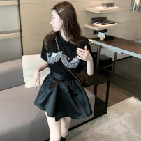 skirt Spring 2021 Average size, s, M Black T-shirt, black skirt Short skirt commute High waist A-line skirt Solid color Type A 18-24 years old 81% (inclusive) - 90% (inclusive) Other / other Korean version
