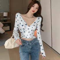 T-shirt white S,M,L Spring 2021 Long sleeves V-neck Self cultivation have cash less than that is registered in the accounts routine commute polyester fiber 31% (inclusive) - 50% (inclusive) 25-29 years old Korean version Printed, stitched, pleated, open back