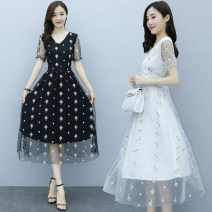 Dress Summer 2021 White, black S,M,L,XL,2XL,3XL longuette singleton  Short sleeve commute V-neck middle-waisted Solid color zipper A-line skirt routine Others Type A Korean version Embroidery 8209#