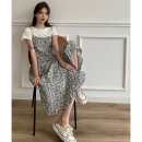 Fashion suit Summer 2021 Average size White T-shirt , Blue Floral Dress , Orange Floral Dress 18-25 years old four point one zero 31% (inclusive) - 50% (inclusive)