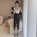 Fashion suit Summer 2021 S. M, average size T-shirt with round neck, T-shirt with neck, grey skirt, black skirt 18-25 years old Four point one 71% (inclusive) - 80% (inclusive)