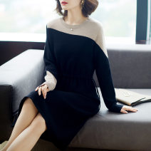 Middle aged and old women's wear Autumn 2020 Blue black M (recommended 85-100 Jin) l (100-115 Jin recommended) XL (115-130 Jin recommended) 2XL (130-145 Jin recommended) 3XL (145-160 Jin recommended) fashion Dress Self cultivation singleton  Solid color 40-49 years old Socket moderate Crew neck other