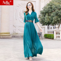 Dress Summer 2021 Red green S M L XL XXL longuette singleton  elbow sleeve street V-neck High waist Solid color Socket Big swing other Others 30-34 years old Type A Jiumei snow fox fold JMXHLYQ487 More than 95% Chiffon polyester fiber Polyester 100% Pure e-commerce (online only) Europe and America