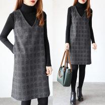 Dress Winter of 2019 Grey lattice Mid length dress singleton  Sleeveless commute V-neck Loose waist lattice Socket A-line skirt Type A Korean version pocket Wool