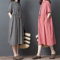 Dress Summer 2021 Black and white, red M,L,XL,2XL Mid length dress singleton  Short sleeve commute Loose waist lattice Socket A-line skirt routine Others 40-49 years old Type A Other / other literature Pocket, button 51% (inclusive) - 70% (inclusive) cotton