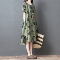 Dress Summer 2021 green M,L,XL,2XL Mid length dress singleton  Short sleeve commute Crew neck Loose waist Decor Socket Irregular skirt routine Others 25-29 years old Type A Other / other Retro Pocket, print 31% (inclusive) - 50% (inclusive) cotton