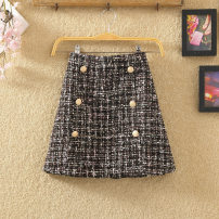 skirt Autumn of 2018 S,M,L,XL White, black Short skirt Versatile High waist A-line skirt lattice Type A 25-29 years old Fashion skirt 81% (inclusive) - 90% (inclusive) Wool Yi Meiyuan Chain, tridimensional decoration, button, thread decoration, stitching, 3D