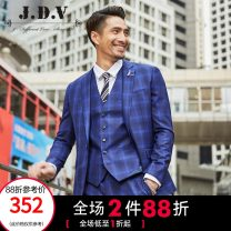 man 's suit Blue lattice J.D.V Business gentleman routine 180/100A 185/104A 165/84A 170/88A 175/92A 180/96A Wool 60.7% polyester 30.7% Silk 8.6% Autumn of 2019 Self cultivation A single breasted button go to work Back middle slit Same model in shopping mall (sold online and offline) youth autumn