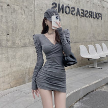 Dress Winter 2020 Grey black Average size Short skirt singleton  Long sleeves commute V-neck High waist Solid color Socket One pace skirt routine Others 25-29 years old Type H Yao Muhua Retro fold More than 95% polyester fiber Polyester 100% Pure e-commerce (online only)