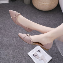 Low top shoes 35 36 37 38 39 40 Qilisa Pink Black Sharp point Suede Flat bottom Low heel (1-3cm) Shallow mouth PU Summer of 2019 Trochanter Korean version Adhesive shoes Youth (18-40 years old) Solid color rubber Single shoes rivet PU formal wear Frosting Pure e-commerce (online only)
