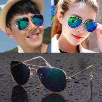 Sun glasses A pair of black film with black frame, a pair of ice blue film with gold frame, a pair of colorful film with gold frame, a pair of ice blue film with silver frame, a pair of black film with silver frame, a pair of silver film with silver frame, and a pair of new Barbie powder currency