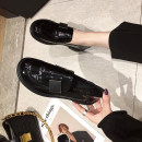 Low top shoes 35 36 37 38 39 Painting Black (heel height 3cm) black cotton lining (heel height 3cm) Round head Patent leather Flat bottom Low heel (1-3cm) Midmouth PU Autumn 2020 Trochanter Adhesive shoes Youth (18-40 years old) Solid color rubber Single shoes leisure time UN201-8