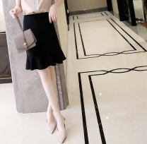 skirt Spring 2021 S M L XL black Short skirt commute High waist A-line skirt Solid color Type A 30-34 years old W26Q32033 71% (inclusive) - 80% (inclusive) Chiffon Light and gentle Cellulose acetate Three dimensional decorative zipper stitching with ruffles Korean version