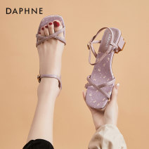 Sandals 35 36 37 38 39 Off white [spot] purple [spot] yellow [spot] green [pre-sale 4.18] PU Daphne / Daphne Barefoot Thick heel Middle heel (3-5cm) Summer 2021 Flat buckle Korean version Solid color Adhesive shoes Youth (18-40 years old) TPU daily Back space Thick heel Low Gang Hollow PU PU Shaving
