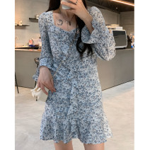 Dress Spring 2021 The black batch was issued in March, and the blue batch was issued in March S,M,L Mid length dress singleton  Long sleeves street square neck High waist Broken flowers Socket other routine Others 18-24 years old Type A CL6190 More than 95% other polyester fiber navy
