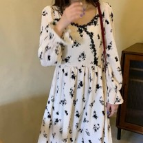 Dress Winter 2020 Apricot Mid length dress singleton  Long sleeves commute square neck High waist Broken flowers A-line skirt pagoda sleeve 18-24 years old Type A Miaofenya Retro Splicing v6J1ccWDc4x More than 95% other Other 100.00%
