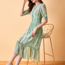 Dress Summer 2021 green S M L XL XXL Mid length dress singleton  Short sleeve commute V-neck High waist Decor Socket Big swing other Others 35-39 years old Type A Duo Peilin Simplicity zipper XY1137 More than 95% other silk Mulberry silk 100% Pure e-commerce (online only)