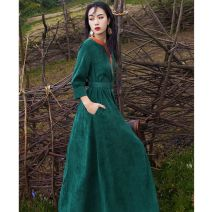 Dress Autumn 2020 Green, yellow S is bigger, M is bigger, l is bigger, XL is bigger longuette singleton  three quarter sleeve commute V-neck Loose waist Solid color Socket Big swing other Others 25-29 years old Type A Other Retro Splicing 30% and below corduroy polyester fiber