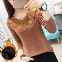 T-shirt Lace black long sleeve, lace camel long sleeve, lace black plush, lace camel plush, lace green long sleeve, lace Green Plush M [80-100 Jin], l [100-115 Jin], XL [115-130 Jin], 2XL [130-145 Jin], 3XL [145-160 Jin], 4XL [160-180 Jin] Autumn 2020 Long sleeves V-neck Self cultivation Regular lady
