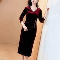 Dress Winter 2020 Crimson blue S M L XL XXL 3XL Mid length dress singleton  Long sleeves commute V-neck middle-waisted Solid color zipper A-line skirt routine Others 30-34 years old JINKAIX Simplicity Pleated Beaded zipper JKX2011030 More than 95% polyester fiber Pure e-commerce (online only)