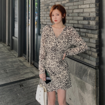 Dress Autumn 2020 Off white, black S,M,L Short skirt singleton  Long sleeves commute V-neck High waist other Irregular skirt routine Others 25-29 years old other Retro 81% (inclusive) - 90% (inclusive) other