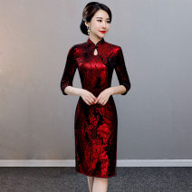cheongsam Winter of 2019 L XL XXL XXXL 4XL 5XL 6XL The color is red three quarter sleeve Short cheongsam Retro Low slit daily Ruyi lapel Decor Over 35 years old Piping Yijiahong polyester fiber Polyester 100% Pure e-commerce (online only)