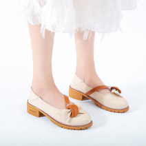 Low top shoes 35,36,37,38,39,40 In the same boat Apricot Round head PU Thick heel Middle heel (3-5cm) Shallow mouth PU Summer 2020 Trochanter Korean version Adhesive shoes Youth (18-40 years old) Solid color rubber Mary Jane shoes Shallow mouth, buckle, thick heel, Roman style cloth daily