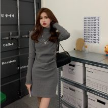 Dress Winter 2020 Gray, black Average size singleton  Long sleeves commute