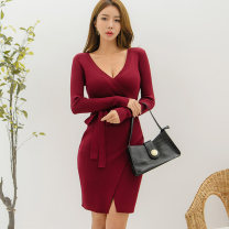 Dress Winter 2020 claret Average size Miniskirt singleton  Long sleeves commute V-neck middle-waisted Solid color Socket One pace skirt routine Others Korean version 81% (inclusive) - 90% (inclusive) knitting cotton