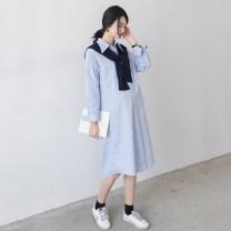Dress Seaporey / cypress [Khaki] [blue] Khaki blue Average size Korean version Long sleeves Medium length spring Lapel Solid color LYQ -- sixty-one thousand four hundred and eight
