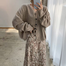 Fashion suit Autumn 2020 Average size Black cardigan, khaki cardigan, pink skirt, grey skirt 18-25 years old Other / other 31% (inclusive) - 50% (inclusive)