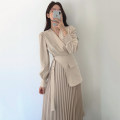 Dress Autumn 2020 Black, grey apricot S,M,L longuette singleton  Long sleeves commute V-neck High waist Solid color Socket Pleated skirt routine Others 18-24 years old Type A Other / other Korean version