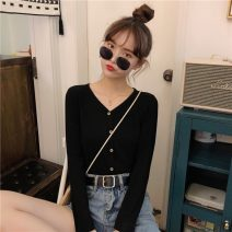 T-shirt White, green, black Average size Spring 2021 Long sleeves V-neck Self cultivation Regular routine commute cotton 86% (inclusive) -95% (inclusive) 18-24 years old Korean version 8872F