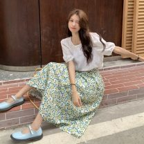 Fashion suit Summer 2021 Average size White top, floral skirt 18-25 years old 9263X 51% (inclusive) - 70% (inclusive) polyester fiber