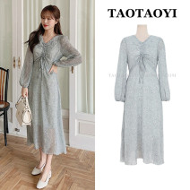 Dress Autumn 2020 Picture color S,M,L,XL Mid length dress singleton  Long sleeves commute V-neck High waist Broken flowers zipper A-line skirt puff sleeve Others 25-29 years old Type A Korean version Bowknot, tuck, fold, lace up, stitching, strap, zipper, printing 71% (inclusive) - 80% (inclusive)