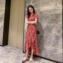 Women's large Spring 2021, summer 2021 gules Dress singleton  Self cultivation thin Socket Short sleeve V-neck 25-29 years old longuette