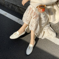 Low top shoes 35,36,37,38,39,34 Other / other Black, white Round head PU Flat bottom Low heel (1-3cm) Deep mouth top layer leather Spring 2021 Trochanter Retro Adhesive shoes Solid color rubber Single shoes Ribbon, bow PU daily Patent leather