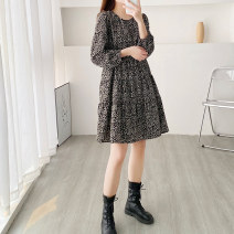 Dress Spring 2021 Black, brown Average size Middle-skirt singleton  Long sleeves commute Crew neck Loose waist Broken flowers Socket A-line skirt routine Others 30-34 years old Type A Korean version printing 91% (inclusive) - 95% (inclusive) Chiffon polyester fiber
