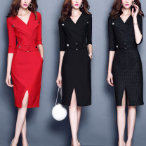 Middle aged and old women's wear Spring 2020 Black, red, stripe S,M,L,XL,2XL,3XL singleton  V-neck routine Q9115