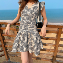 Dress Spring 2021 Picture color S,M,L Middle-skirt singleton  Sleeveless commute V-neck High waist Flying sleeve Others 18-24 years old Type A 31% (inclusive) - 50% (inclusive)