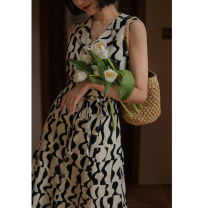 Dress Summer 2021 Rice + Black geometric pattern S [pre sale mid May], m [pre sale mid May], l [pre sale mid May] Mid length dress singleton  Sleeveless commute tailored collar High waist Decor zipper A-line skirt routine camisole 25-29 years old Type A Retro other cotton