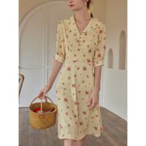 Dress Spring 2021 Yellow, red, green XS,S,M,L Short skirt Short sleeve commute V-neck Simple Retro Retro