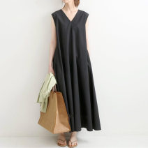 Dress Summer 2021 black Average size Mid length dress singleton  Sleeveless commute V-neck High waist Solid color Socket A-line skirt routine straps 18-24 years old Type A Korean version 31% (inclusive) - 50% (inclusive) cotton
